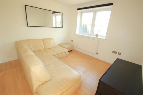 3 bedroom flat to rent - Campbell Road, London, E3 4EA