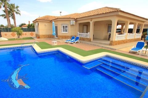 4 bedroom villa - Gea y Truyols, Spain