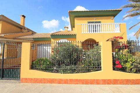 4 bedroom villa - Los Alcazares, Spain