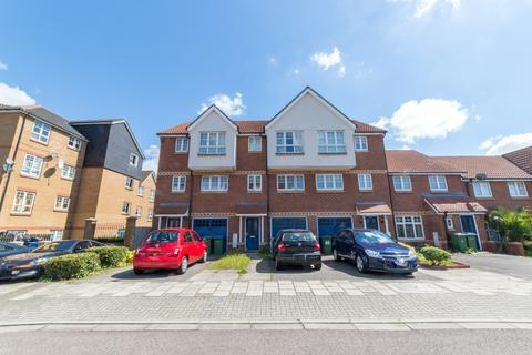 3 bedroom terraced house for sale - Greenhaven Drive, London, Greater SE28