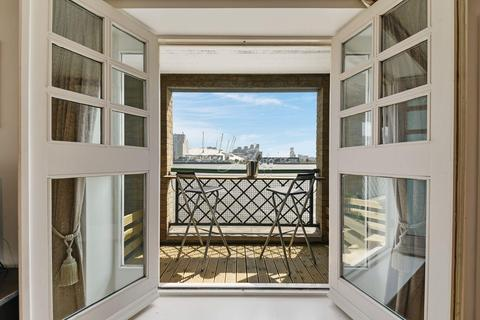 2 bedroom flat for sale - Concordia Wharf, Coldharbour, E14