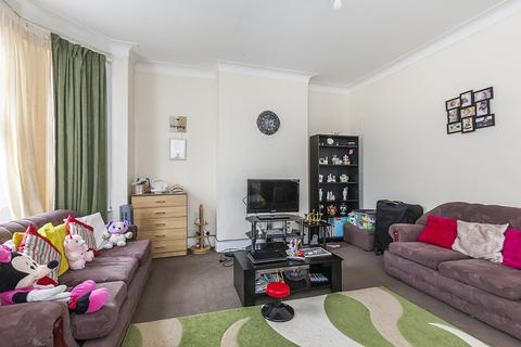 1 bedroom flat for sale - Harold Road, Plaistow, London. E13