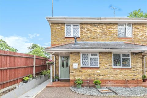 2 bedroom semi-detached house for sale - Oxford Road, Denham, Uxbridge, Middlesex, UB9