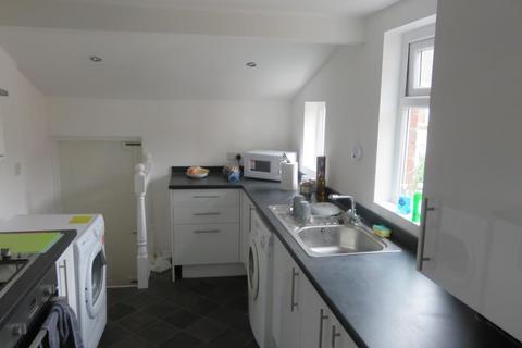 9 bedroom flat to rent - SPRINGBANK ROAD SANDYFORD (SPRIN8)