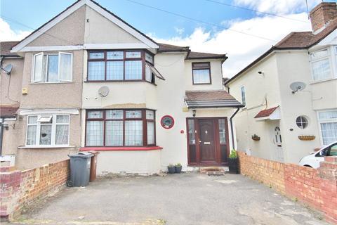 3 bedroom semi-detached house for sale - Sunningdale Avenue, Hanworth, TW13