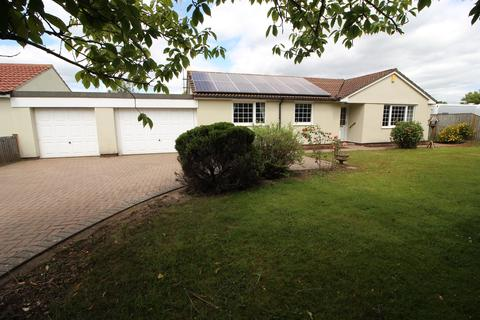 3 bedroom detached bungalow for sale - Badminton Road, Chipping Sodbury, Bristol, BS37 6LH