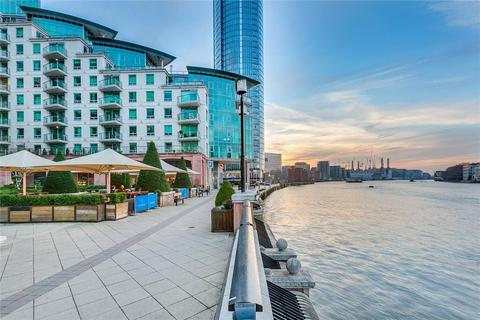 2 bedroom apartment to rent - St Georges Wharf, London, SW8 2LZ
