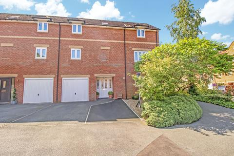 4 bedroom townhouse for sale - Mill Vale, Newburn, Newcastle upon Tyne, Tyne and Wear, NE15 8 HF