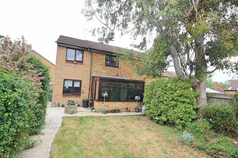 3 bedroom semi-detached house for sale - Raphael Drive, Chelmsford