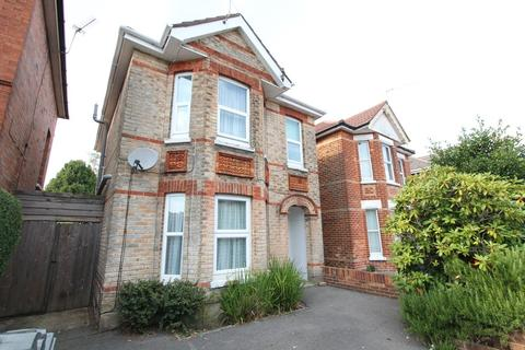 1 bedroom in a house share to rent - 16 Osborne Road, , Bournemouth