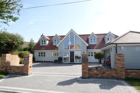 4 bedroom chalet for sale - Peartree Lane, Danbury, CM3