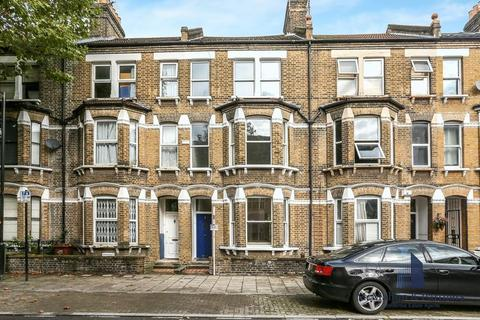 4 bedroom terraced house to rent - Searles Road, London