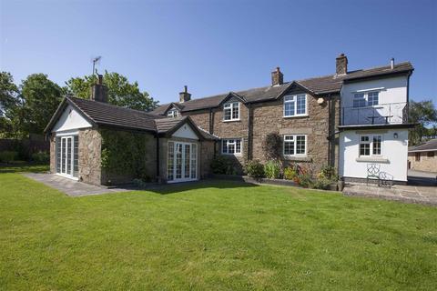 4 bedroom detached house for sale - Barlow, Dronfield