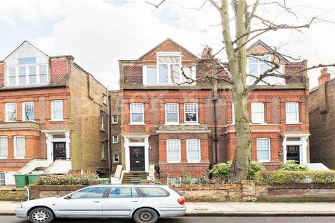 4 bedroom flat to rent - Broadhurst Gardens