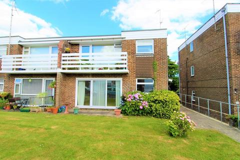 2 bedroom flat for sale - St. Annes Gardens, Hassocks, West Sussex. BN6 8RA