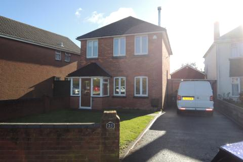 3 bedroom detached house to rent - Cornelia Crescent, Branksome, Poole BH12