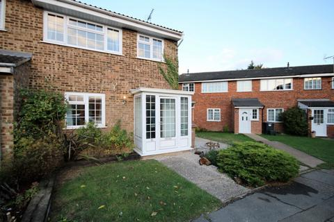 3 bedroom house to rent - Primula Way, Chelmsford, CM1