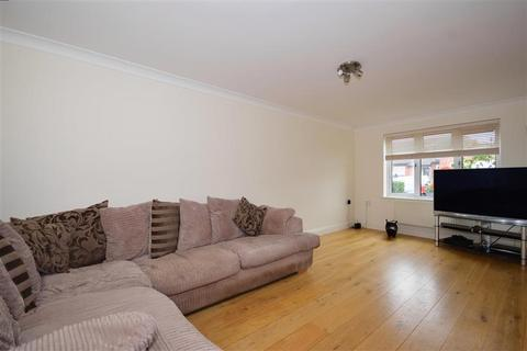 1 bedroom ground floor flat for sale - Sawyers Chase, Abridge, Romford, Essex