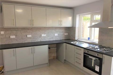 3 bedroom end of terrace house to rent - Mildenhall Road, Slough SL1