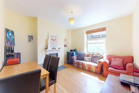 3 bedroom flat for sale - Stephenson House, Bath Terrace, London, SE1