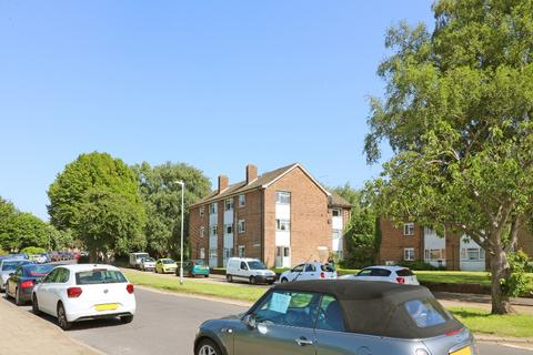 2 bedroom flat for sale - Churchfield Way, , Wye, TN25 5EG