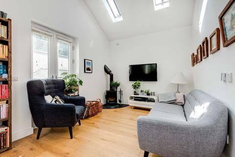 2 bedroom mews for sale - Hayloft Mews Brighton