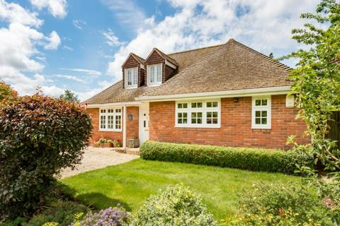 4 bedroom detached house for sale - The Corner House, Woodstock Close, Oxford