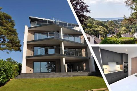 3 bedroom apartment for sale - First Floor Flat, 4 Wentworth Heights