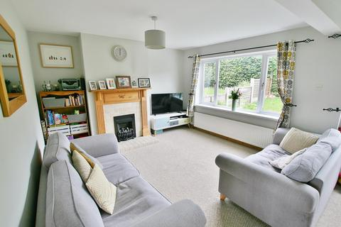 3 bedroom semi-detached house for sale - Hallowes Drive, Dronfield, Derbyshire S18 1YH