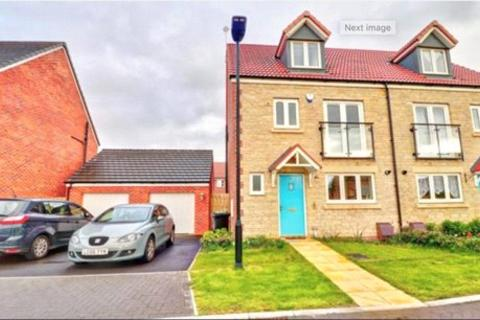 4 bedroom semi-detached house to rent - Wincombe Road, Badbury Park, Swindon, Wiltshire, SN3