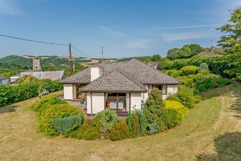 5 bedroom detached house for sale - Village Road, Christow, Exeter, Devon