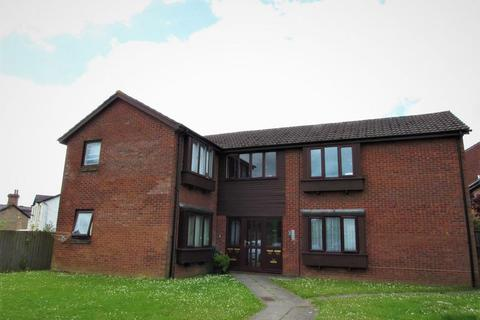 Studio for sale - Limeslade Close Fairwater Cardiff CF5 3BD