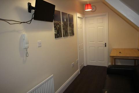 2 bedroom flat to rent - Wingrove Avenue, NE4 9AA