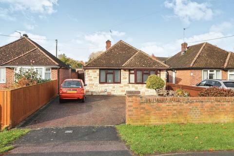 2 bedroom detached bungalow for sale - KIDLINGTON