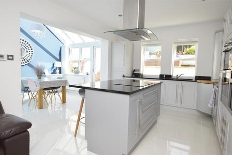 4 bedroom detached house for sale - Bristol Road, RADSTOCK, Somerset, BA3 3EE