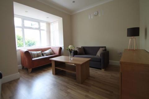 3 bedroom semi-detached house to rent - Kirkstall Road, Leeds, LS4 2QD