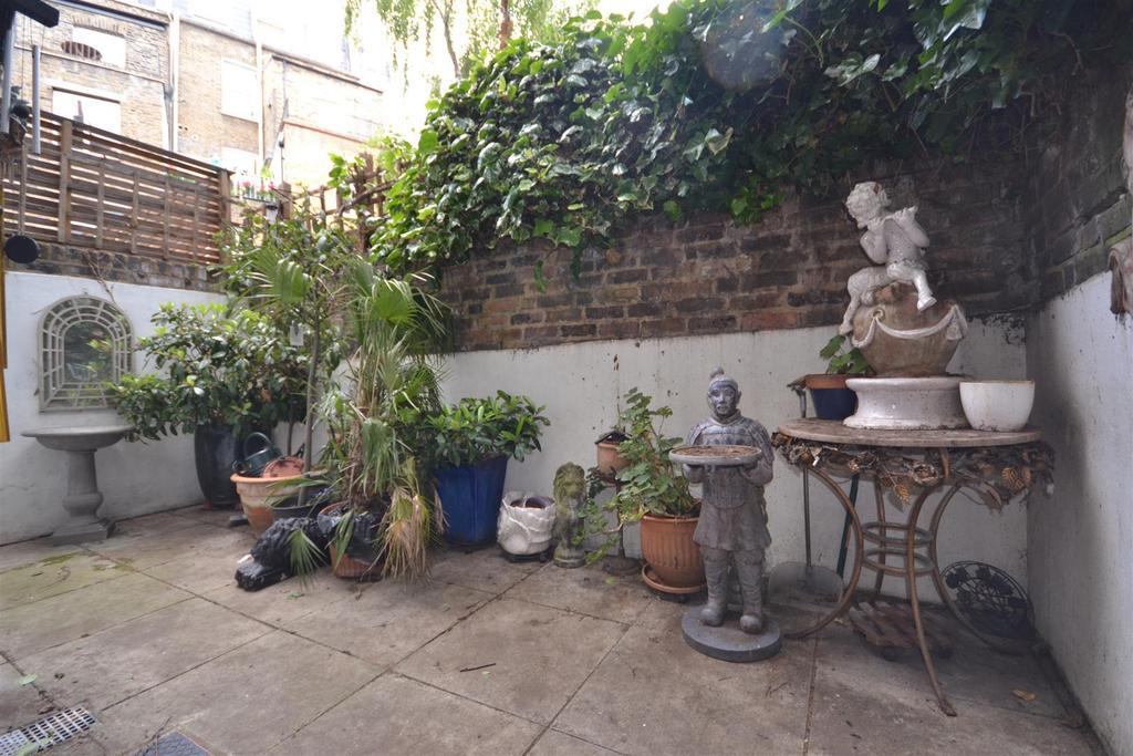 2 Bedrooms Flat for sale in Charlwood Street, London, SW1V