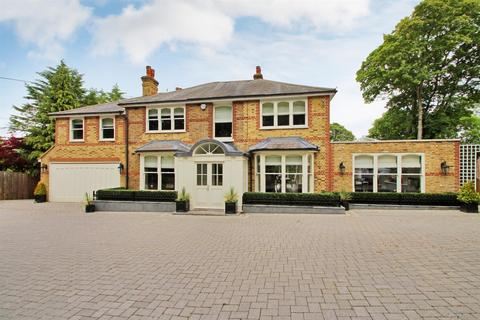 5 bedroom detached house for sale - Ricketts Hill Road, Tatsfield