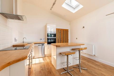 4 bedroom semi-detached house to rent - Chase View, Cheltenham GL52 3AL