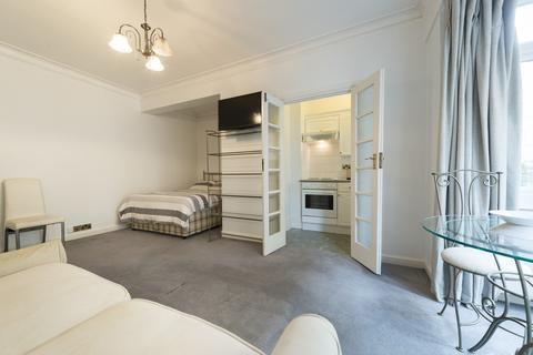 Studio to rent - Marsham Court, Marsham St, SW1P