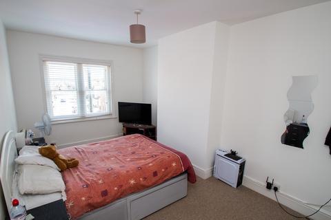 2 bedroom apartment for sale - 2 BEDROOMS, Wimborne Road, Winton