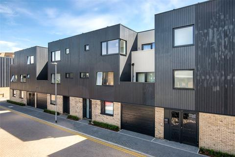 4 bedroom terraced house for sale - Harradine Street, Trumpington, Cambridge