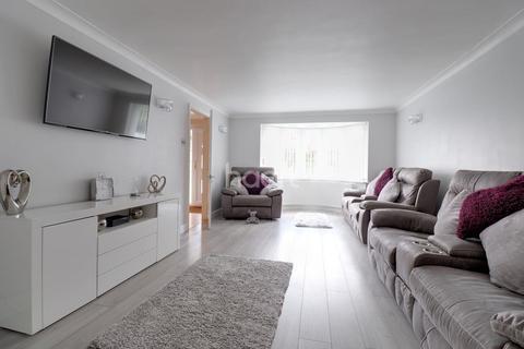 4 bedroom detached house for sale - Eddington Road
