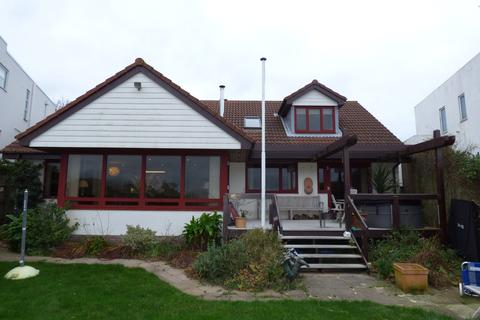 4 bedroom detached house to rent - Lagoon Road, Poole, Dorset BH14