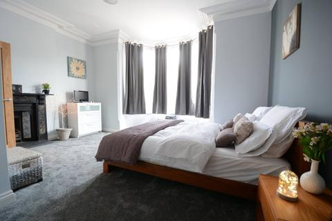 1 bedroom in a house share to rent - Room 1 @ Queens Road, Beeston, NG9 1JA