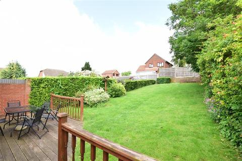 3 bedroom detached bungalow for sale - Pattens Gardens, Rochester, Kent