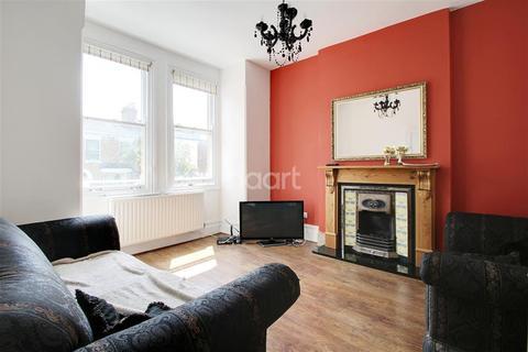 3 bedroom flat to rent - Henslowe Road, London, SE22