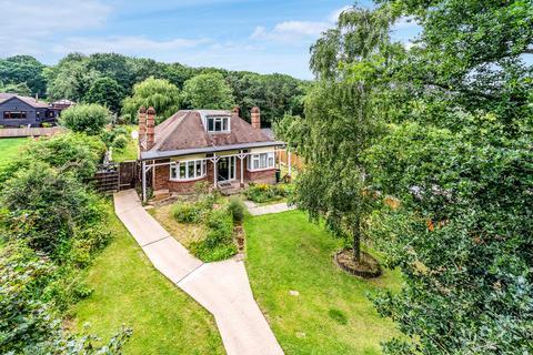 3 bedroom detached bungalow for sale - Hockley