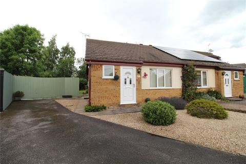 2 bedroom semi-detached bungalow for sale - Orchid Close, New Balderton, Newark, NG24