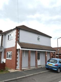 2 bedroom semi-detached house to rent - Turpin Court, Leamington Spa CV31